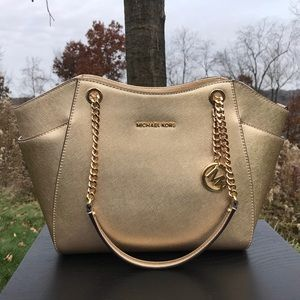 Michael Kors Jet Set Large Chain Shoulder Tote